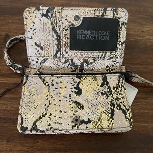 Kenneth Cole Reaction Wristlet Wallet NWT